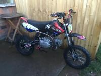 Stomp 125cc pit bike field bike m2r