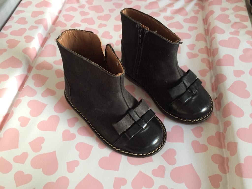 Zara black leather baby girl shoes with bows size 3/19