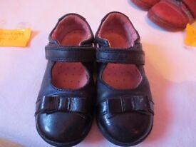 Blue patent girls Startite shoes size 6F