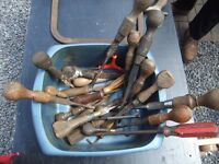 VINTAGE SCREWDRIVERS JOB LOT CAN STILL BE USED ONLY £10 FOR THE LOT