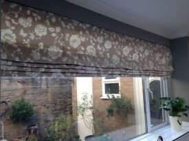 Beautiful Roman blind. Width 235.5. Drop 115.6. Comes with fixings. Perfect condition