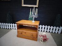 SOLID PINE FARMHOUSE TV CABINET WITH 1 LARGE DRAW VERY SOLID AND IN EXCELLENT CONDITION