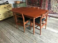 Mid Century / Retro / Vintage Extending Dining Table With Four Chairs