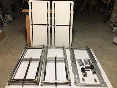 40 expess cockpit table mechanism
