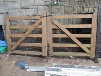 LARGE HEAVY DUTY WOOD DOUBLE GATE
