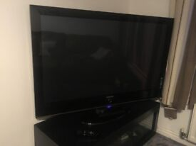 SAMSUNG 42 INCH TV WITH REMOTE