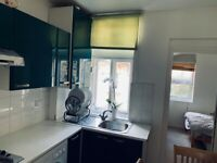 PART DSS OK WITH DEPOSIT AND ADVANCE 1 BED FLAT WARWICK ROAD KENSINGTON W14