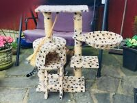 Cat Scratcher / Play Centre (£10)