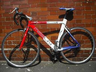Merlini Stealth 58cm Road Bike 16speed Shimano 105 Gears STI Shifters Liteweight 700Alloy Aero Frame