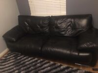 Sofas is perfekt condition leather exellent black 3pcs 😍😍😍😍😍😍😍😍😍😍😍