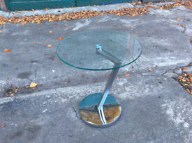 Curve Round Side/End/Coffee Table, Glass, Clear