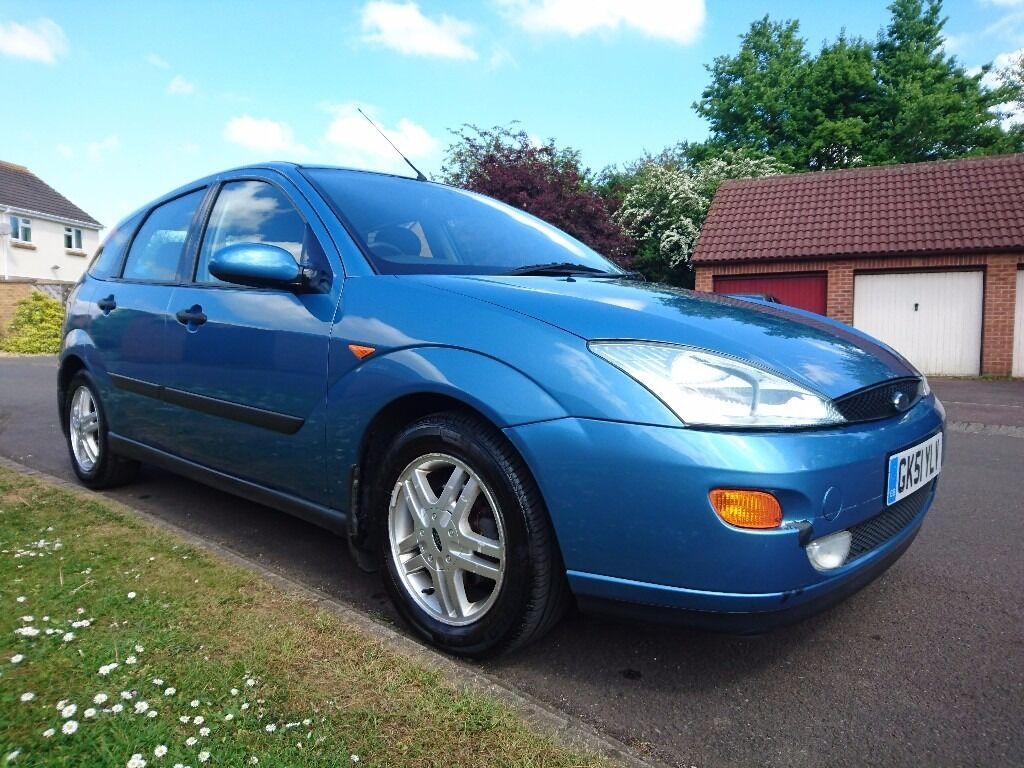 blue ford focus mk1 zetec 2001 hatchback 1 6 petrol manual 115300 mileage 5 door in chippenham. Black Bedroom Furniture Sets. Home Design Ideas