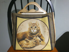 KNITTING/CRAFT BAG WITH ATTRACTIVE CAT DESIGN