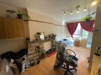 Lovely ground floor flat available approx 6 mins walk from Mile End, Queen Mary university E1