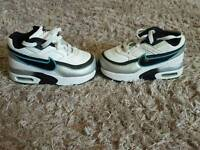 Nike air max. Toddlers size 6