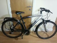 Tourer RS 2 Gaint Bike with 700 c wheel size