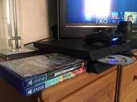 PS4 Boxed / 3 Games - 1 Remote