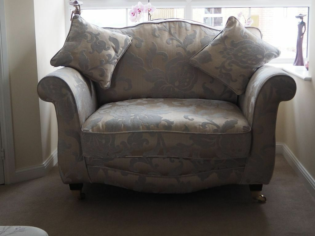 Scs Vienna Love Chair In Anlaby East Yorkshire Gumtree