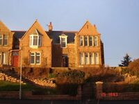 Newly Refurbished Top Floor - 2 Bed Flat with stunning views overlooking Top 100 Rated Golf Course.