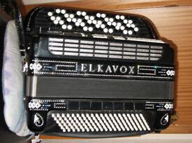 ELKAVOX 83 electronic continental accordion