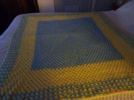 Crochet Blanket. Lemon and blue.