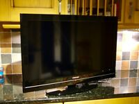 """TOSHIBA 32"""" LCD TV FREEVIEW 2x HDMI USB & FREE DELIVERY"""