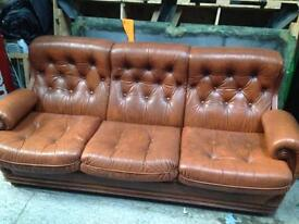 Suite sofa x2 chairs