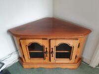 Good quality corner cabinet / TV unit