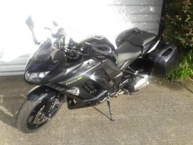 Kawasaki ZX 1000 MFF ABS Motorcycle June 2015 Model with extras 6345 miles