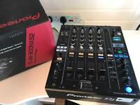 Pioneer DJM 900 NXS2 Professional DJ Mixer - Fully boxed ( CDJ 2000 Nexus xdj Technics )