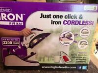 Cordless steam iron