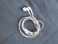 Apple earphones 3.5 mm