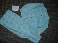 Me To You Flannel Pyjamas with opened front for Girl 7-8 years. Very good condition. 100% cotton.