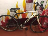 Saracen venturer hybrid bike