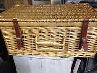 2 wicker basket picnic hampers, suit Christmas hampers