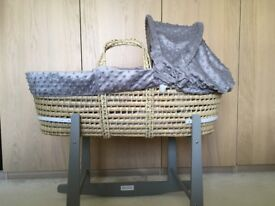 Lovey Moses Basket and Stand