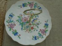 Aynsley Bone China Cake Stand. Pembroke deaign, excellent condition, see photos
