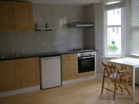 017O - FULHAM - MODERN DOUBLE STUDIO FLAT, FURNISHED,BILLS INCLUDED EXCEPT ELECTRICITY - £275 WEEK