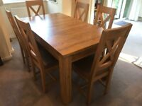 Extending Oak Dinning Table and Chairs