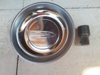 Blue point magnetic dish .. plus snap on socket .