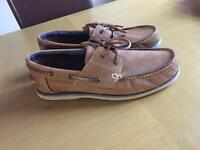 Size 9 Maine dock shoes