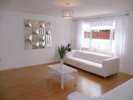 Beautiful large 4/5 bedroom garden house with parking, close Excel London and DLR station