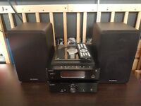 SANDSTROM SHFUSB13 CD MP3 USB Wireless Bluetooth Hi-Fi System FM Radio - Black