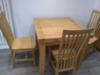 Dining Table & 4 Chairs Solid Oak