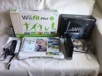 Nintendo Wii Console Bundle With 2 Controllers and 3 Games