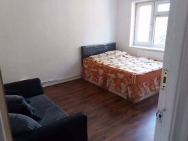 Come meet your best friends and a spacious double room near Stratford and Canning Town