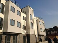 Exceptional 2014 roof top flat in Woking new Central with terrasse fully furnished with parking