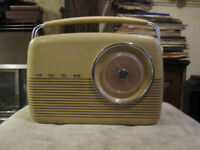 bush early 1960s transister radio 9 v new batery works in car