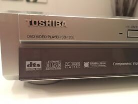 Toshiba DVD player SD-120EE. Silver, A class condition with remote, power cord, SCART lead