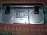 Philips AM/LW/FM Compact Line D8117 Vintage Radio Cassette Player with Piezo Tweeter